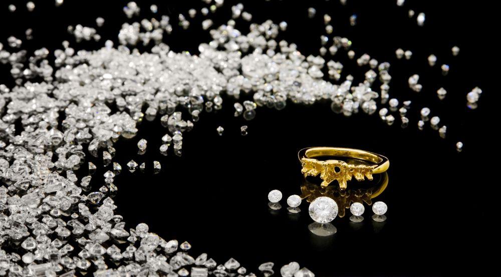 Lose kleine Diamanten Kombination mit 1 Caräter ungefasst lose vor Schmuckstück Ring