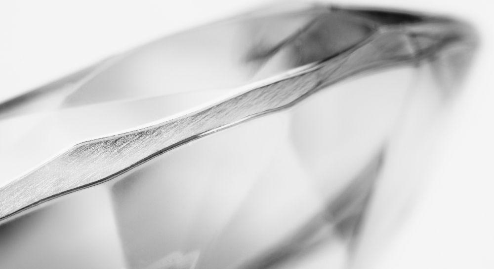 Diamant gute Schliffqualität von Seite Polish sichtbar