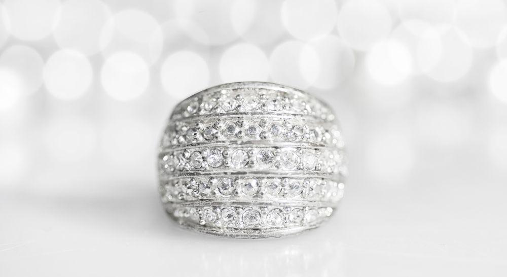Ring mit vielen kleinen Diamanten Option Schmuck selbst entwerfen