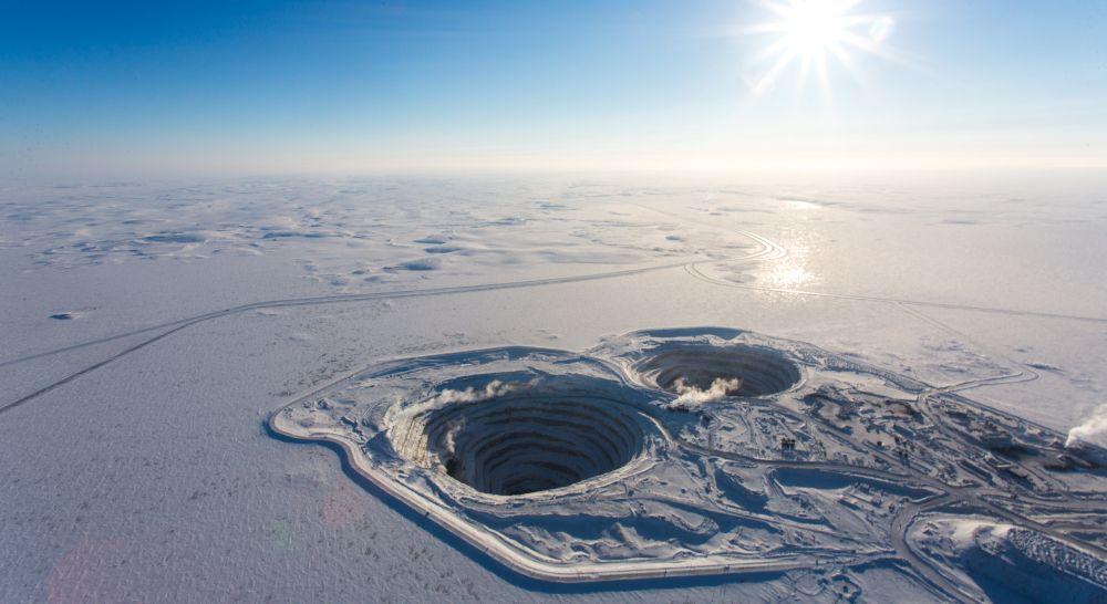 Diamantenmine im Winter, Blick aus dem Flugzeug