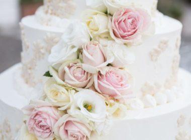Hochzeitstorte mit Rosen Hochzeitstrends 2020