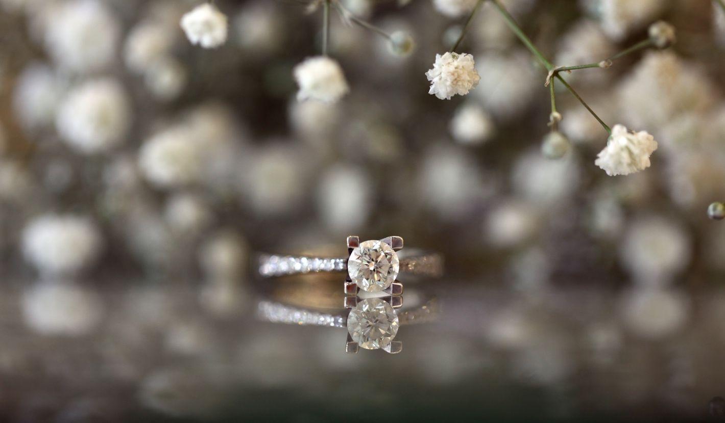 Verlobungsring mit Diamanten
